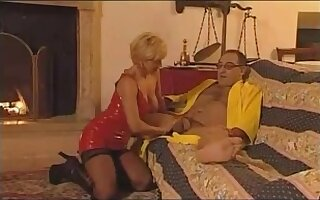 Mother I'd Like To Fuck Teresa is into anal sex